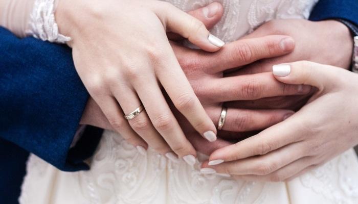Hukum menikahi perempuan hamil