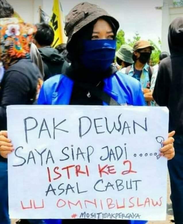 Mati Ketawa Demo Omnibus Law | Pwmu.co | Portal Berkemajuan