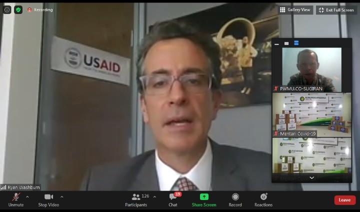 Nakes harus dilindungi, USAID bantu APD. Hal itu diungkapkan oleh Mission Director USAID Indonesia Ryan Washburn.