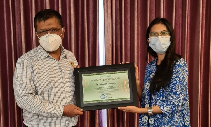 RSU Aisyiyah Ponorogo borong 2 penghargaan BPJS Kesehatan. Penghargaan diserahkan di Hotel Aston Madiun, Rabu (14/10/2020)