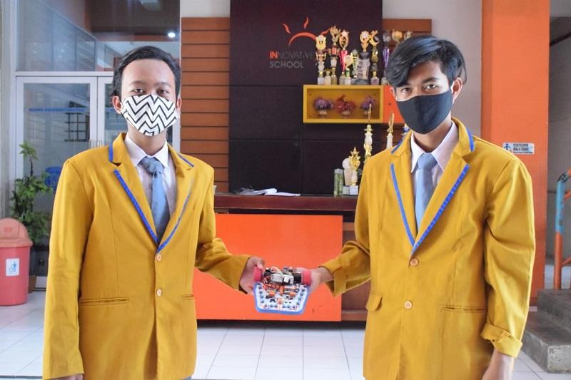Siswa Smamsatu meraih juara nasional robotik yang diselenggarakan Universitas Negeri Malang (UM) secara online, Kamis (15/10/20).