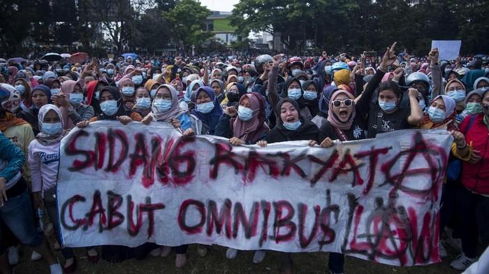 Keren Indonesia Punya Omnibus Law.