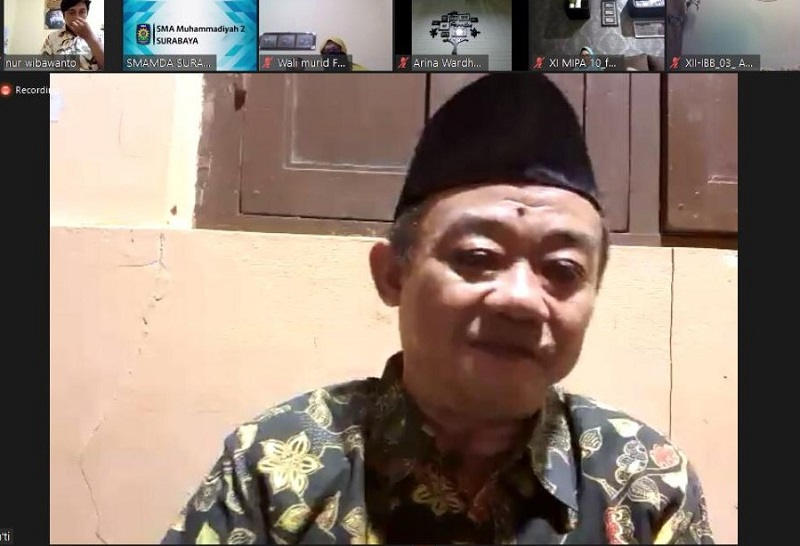 Abdul Mu'ti mengatakan di masa pandemi memaksa orangtua menjadi sahabat anak. Hal ini disampaikan dalam Seminar Parenting Smamda Surabaya, Sabtu (31/10/20).