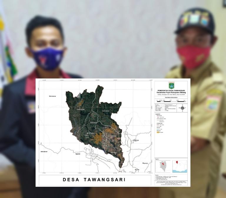 Peta desa geospasial berhasil dibuat Mahasiswa PMM UMM. Penyerahan peta desa dilakukan secara simbolis pada Selasa (3/11/20).