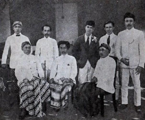 Jalan Politik KH Ahmad Dahlan.