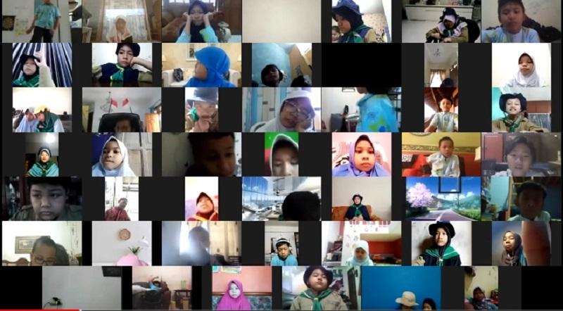 Putar film, cara SD Kreatif mengenalkan tokoh Muhammadiyah di acara perayaan Milad Muhammadiyah 108, Rabu (18/11/20).