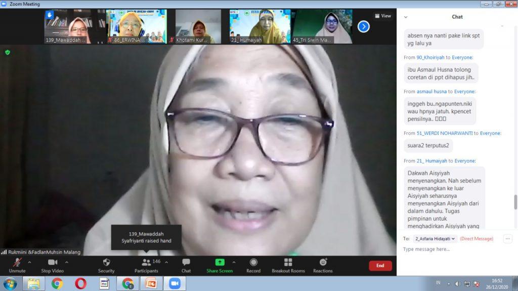 Dra Hj Rukmini Amar mengatakan Mengurus Aisyiyah harus benar-benar tuntas (Humaiyah/PWMU.CO)