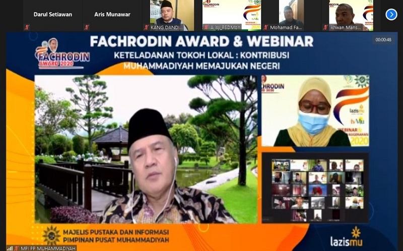 Kecerdasan apapun tidak terlihat kalau tidak dipublikasikan disampaikan Prof Dr Dadang Kahmad MSi dalam Webinar dan Penganugerahan Fachrodin Award 2020, Sabtu (19/12/20).