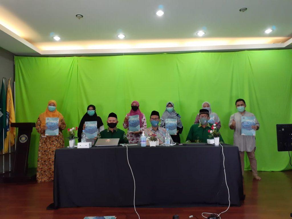 28 Apresiasi Majelis Dikdasmen PPI kepada guru dan karyawan SD Muhammadiyah Manyar (SDMM) semakin meriah di tengah pandemi.