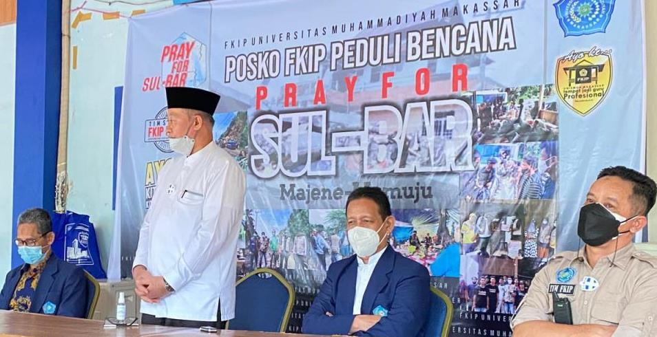 Relawan FKIP Unismuh Peduli Tahap II berangkat ke tempat gempa, setelah dilepas Rektor Unismuh Makassar Prof Ambo Asse, Jumat (29/1/21).