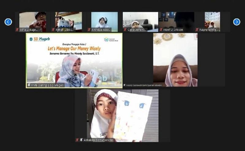 Lima cara anak mengelola uang disampaikan Heasty Susilowati ST dalam kegiatan Orangtua Mengajar secara daring di SD Mugeb, Selasa (12/01/21).