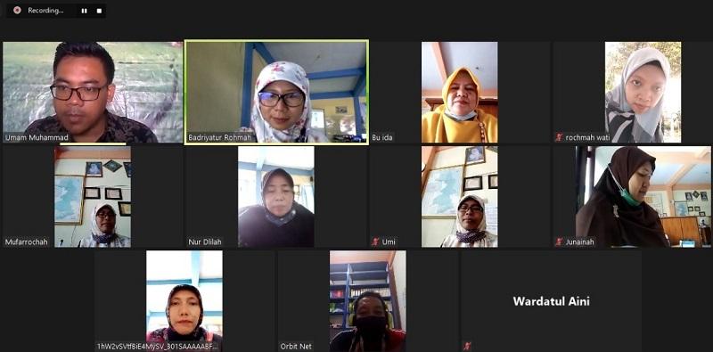 Buat video PJJ, Smadiga mengadakan pelatihan yang diikuti 21 peserta yang terdiri dari guru dan karyawan, Sabtu (23/1/21) secara virtual.