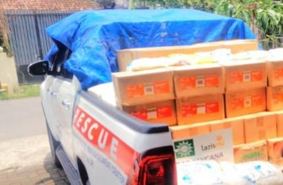Banjir dan longsor Nganjuk, Lazismu Jatim sigap kirim bantuan. Ketua Lazismu Jatim drh Zainul Muslimin memimpin langsung pengiriman bantuan pada Senin (15/2/2021).