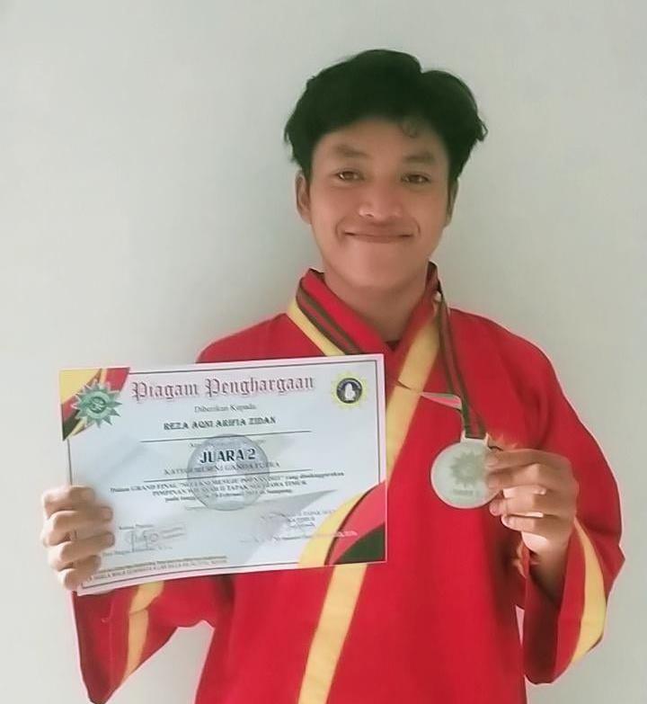 Seleksi tingkat Jatim berhasil  dilalui dengan baik atlet Tapak Suci Smamda Sidoarjo. Dia berhasil meraih perak di Grand Final Pimwil Jatim.