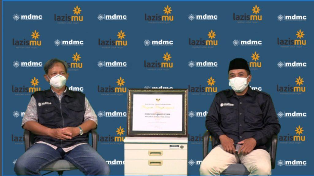 MDMC kembali meraih penghargaan dari BNPB yang diterima langsung oleh Ketua MDMC PP Muhammadiyah Budi Setiawan (Arif Jamali/PWMU.CO)