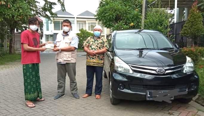 Lazismu Jatim dapat wakaf Vario dan Xenia. Dua kendaraan itu diserahkan kepada Ketua Lazismu Jatim drh Zainul Muslimin, Senin (1/3/2021)