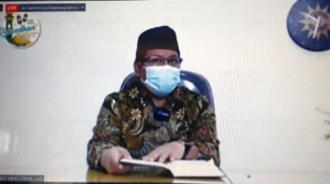 Menuntut ilmu perlu kesungguhan dan kesabaran. Hal itu diungkapkan oleh Dekan Fakultas Pendidikan Agama Islam Universitas Ahmad Dahlan (UAD) Dr Nur Kholis SAg MAg.