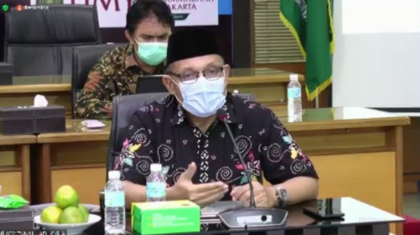 Pedoman Hidup Islami Warga Muhammadiyah (PHIWM) harus direvisi total. Hal itu diungkapkan oleh Ketua Majelis Pembina Kesehatan Umum (MPKU) PP Muhammadiyah Drs M Agus Samsudin MM.