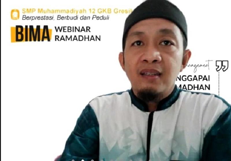 Manajemen diri di bulan Ramadhan bisa melalui doa disampaikan Heru Kusumahadi Lc MPdI dalam kegiatan Webinar Ramadhan Pesantren Kilat Darul Arqam (PKDA) Spemdalas, Kamis (15/4/21).