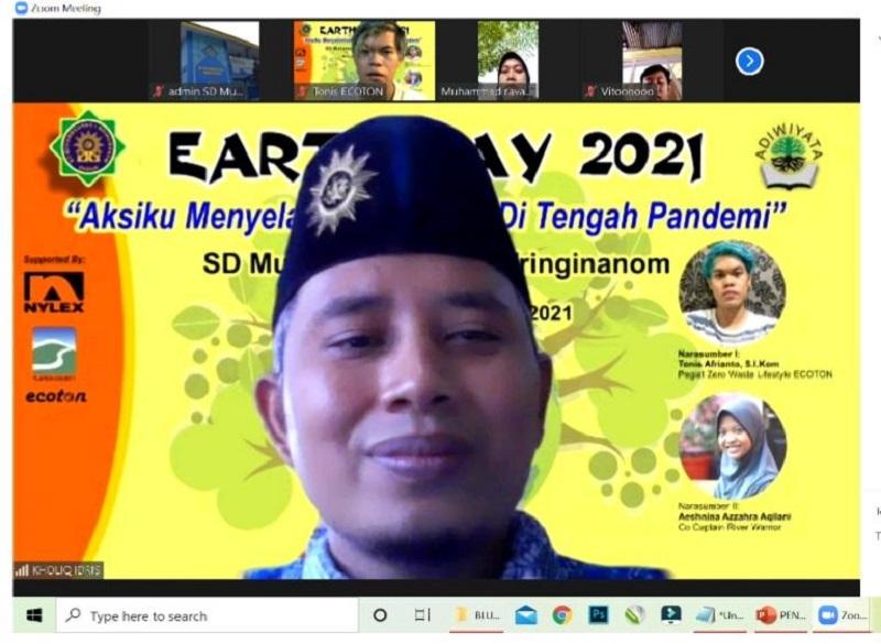 SD Muwri memperingati Hari Bumi dengan mengangkat tema Aksiku Menyelamatkan Bumi di Tengah Pandemi, Kamis (22/4/21).