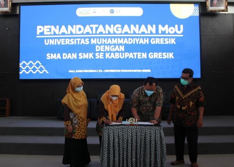 SMAM 8 Gresik meneken Memorandum of Understanding MoU dengan Universitas Muhammadiyah Gresik (UMG), Rabu (31/3/21).