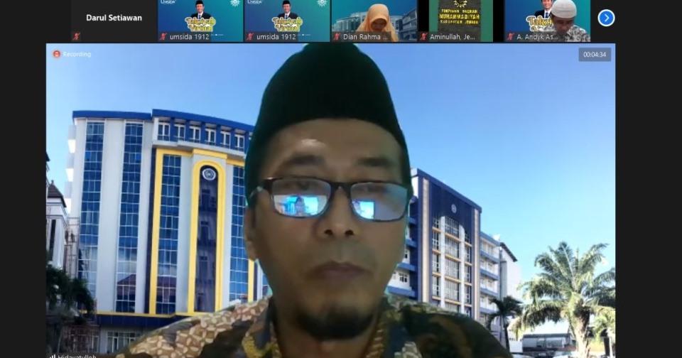 Semua milik Allah dan akan kembali pada Allah, demikian kata putra kedua Nadjib Hamid Aunillah Ahmad saat memberi sambutan, Sabtu (10/4/21).