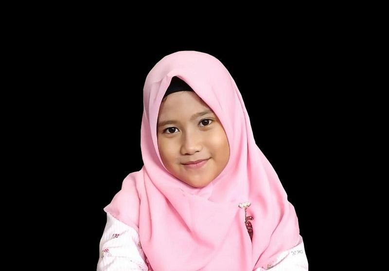 Siswi SD AL Islam Muhammadiyah Cerme Gresik meraih juara II Mendongeng se-Pulau Jawa secara virtual, Sabtu (8/5/21).