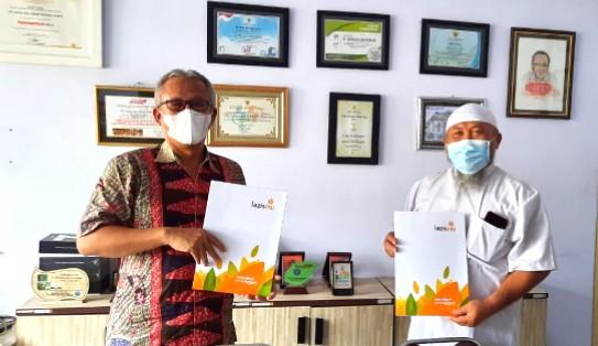 Lazismu Jatim target kalengkan 100 ton daging kurban. Pengalengan menjadi RendangMu akan kembali dikerjakan oleh PT Surya Jaya Abadi Perkasa Probolinggo.