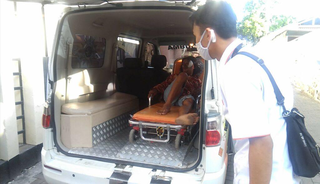 Lazismu antar Satori dengan estafet ambulance dari Denpasar Bali menuju Kudus Jateng pada Kamis (3/6/2021).