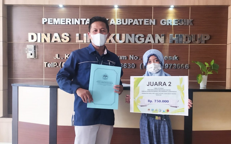 Siswi SD Mugeb meraih juara II menggambar dalam rangka memperingati Hari Lahan Basah Sedunia (World Wetlands Day) Tahun 2021 yang diumumkan secara online, Senin (31/5/21).