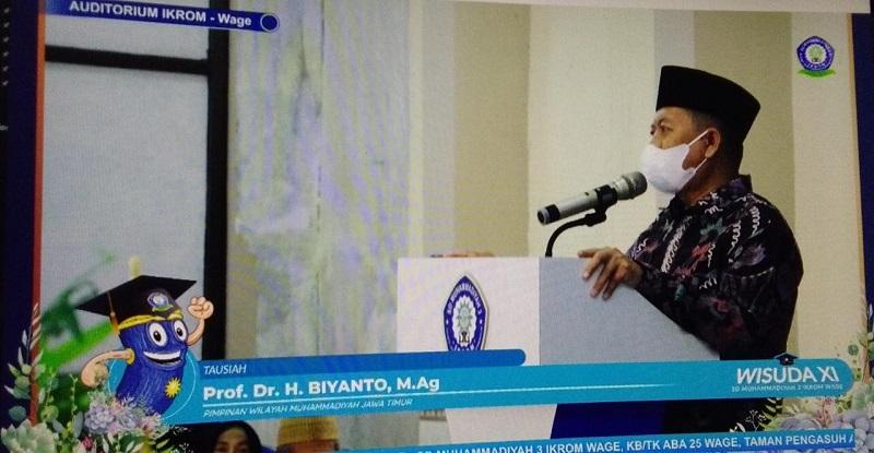Guru Besar UIN Sunan Ampel Surabaya Prof Dr H Biyanto MAg menghadiri Wisuda Purnasiswa ke-11 SD Muhammadiyah 3 Ikrom Wage Sidoarjo, Ahad ( 20/06/21).