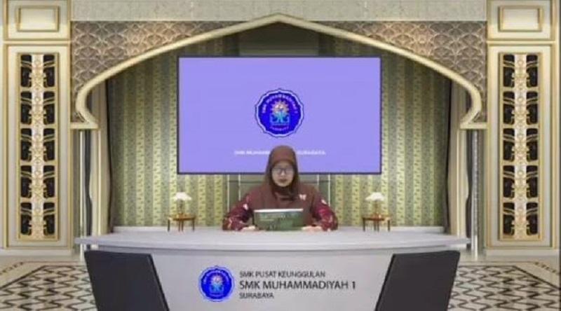 Tangis haru mewarnai pengumuman kelulusan 261 siswa kelas XII SMK Muhammadiyah 1 Surabaya yang dilaksanakan secara virtual melalui Zoom, Kamis ( 3/6/21).