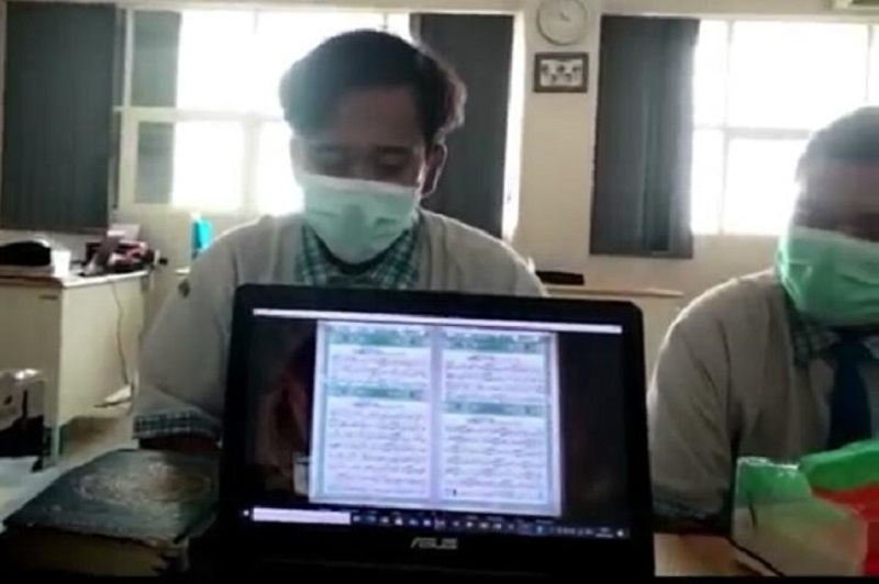 Siswa Smamio membikin video kilas balik yang diputar dalam rangkaian pelaksanaan wisuda angkatan III Kamis (10/6/21).