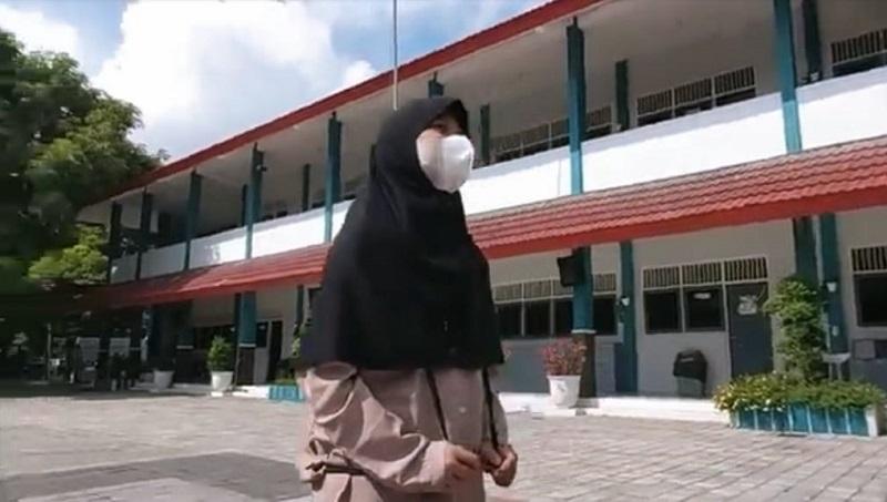 Rasa rindu, video kilas balik siswa kelas VI SD Muhammadiyah 1 GKB (Mugeb) Gresik yang diputar di acara Wisuda Angkatan ke-21 secara virtual, Selasa (22/6/21).