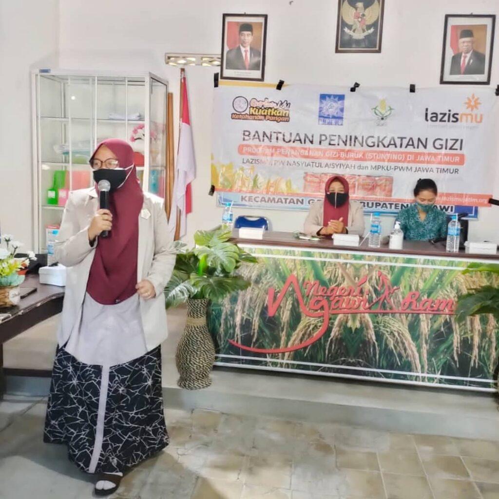 PWNA Jatim Salurkan Bantuan untuk pencegahah kasus stunting di Kabupaten Ngawi (Ridia Septiria/PWMU.CO)