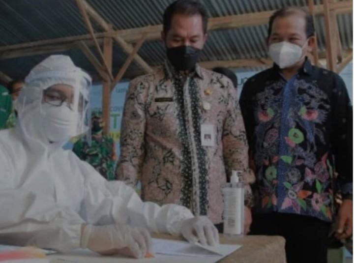 Universitas Muhammadiyah Kudus siapkan Shelter Covid-19. Pesantren Covid-19 Shelter MCCC UMKU ini telah diresmikan Bupati Kudus HM Hartopo pada Rabu (16/6/2021).