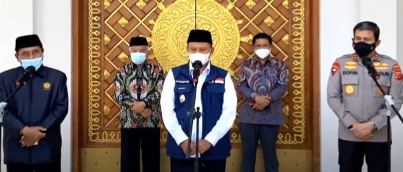 Forum Guru Besar Muhammadiyah (FGBM) Jabar gelar vaksinasi lintas agama di Kompleks Polda Jabar Jalan Soekarno-Hatta 748 Kota Bandung, Jumat (6/8/2021).
