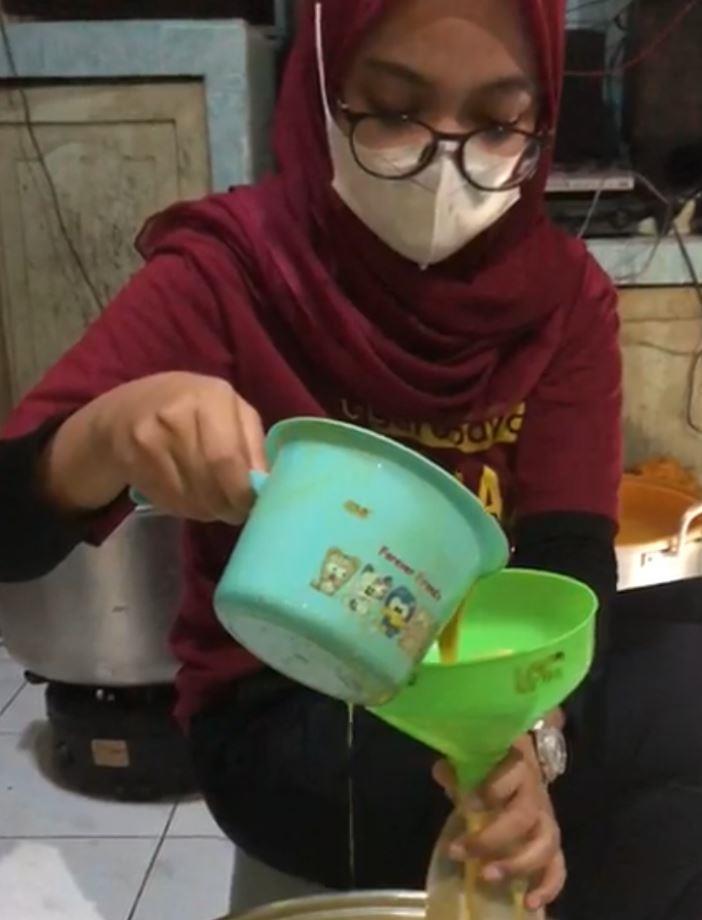 GOLDenmilk merupakan minuman perpaduan susu dan kunyit kreasi mahasiswa KKN BTV Mojokerto UMSurabaya, sebagai peningkat imunitas tubuh.