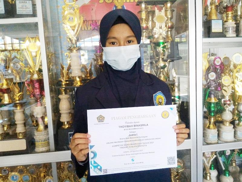 Siswa MTs M 9 Wotan Gresik meraih juara I dalam ajang Kompetisi Sains Madrasah (KSM) bidang matematika 2021 tingkat Kabupaten, setelah diumumkan secara online, Sabtu (28/8/21).