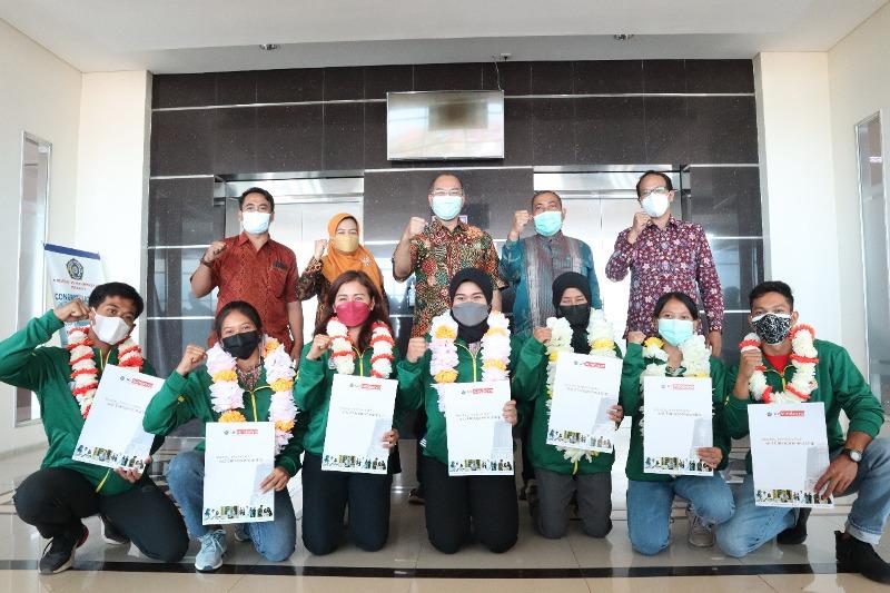 9 mahasiswa