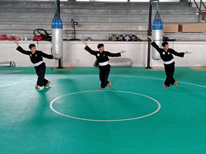 Atlet Tapak Suci Jawa Timur dituntut mampu kembangkan potensi diri disampaikan Hamdani SPd MPd Pelatih Seni Tunggal Ganda Regu (TGR), Kamis (23/9/21).