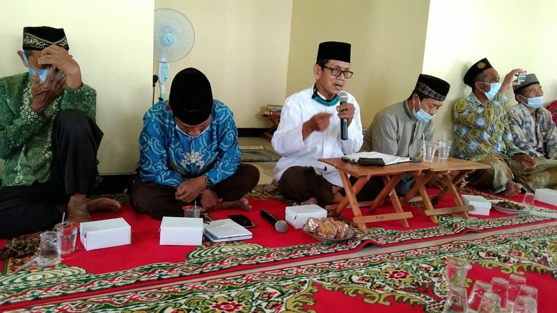 Muhammadiyah cirine kudu urip, ciri Muhammadiyah itu hidupnya harus bergerak disampaikan H Ihksan Budiono SH MPd dalam pengajian rutin PCM Kedungiring Jumat Pahing, (17/9/21).