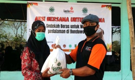 Rendangmu Lazismu Bondowoso untuk warga pedalaman di Dusun Cemper, Desa Botolinggo, Kecamatan Botolinggo, Kabupaten Bondowoso.